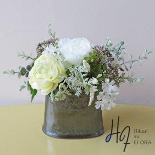 高級造花インテリア【クロエ】ふわふわラナンキュラスとローズのアレンジメントです。