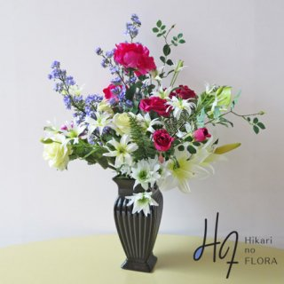 高級造花アレンジメント【ラピド】レッドのローズとアートなパープル色の小花枝が、とってもおしゃれな高級造花アレンジメントです。