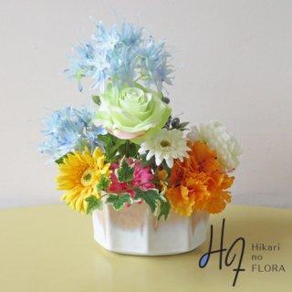 高級造花インテリア【レポーゾ】ダイヤモンドリリー(ネリネ)とローズのアレンジメントです。
