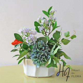造花インテリア【ピエス】ジャスミンとハイドレンジアのアレンジメントです。
