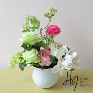 高級造花インテリア【シェロ】生け花ぽくアレンジしてみました。それぞれのお花の形を主張してみました。