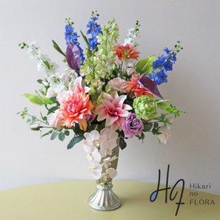 高級造花アレンジメント【クバ】シンビジューム、八重咲リリー、ダリアに圧倒される豪華な高級造花アレンジメントです。