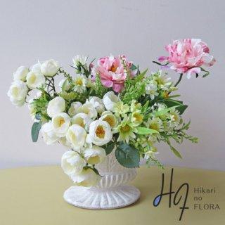 高級造花アレンジメント【フリューゲル】鈴なりに咲く薔薇の高級造花アレンジメントです。