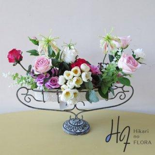 高級造花アレンジメント【パシテア】ローズの高級造花アレンジメントです。