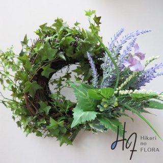 光触媒アートフラワーリース グリーンに草原の花を添えたイメージの造花リースです。
