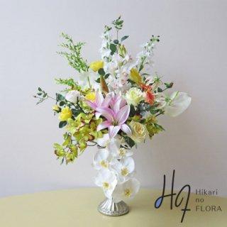 高級造花アレンジメント【シュネル】14種の花々でヨーロピアンスタイルの花器にアレンジしました。