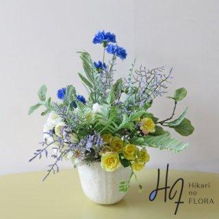 高級造花アレンジメント【ラピド】可愛い鈴なりのローズと花々とグリーンが、ごちゃごちゃなのに愛しくなるアレンジメントです。なんだかいい感じです。