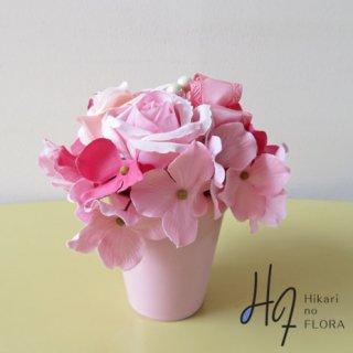造花アレンジメント【ナンナ】かわいい小さなちいさなアレンジメントです。高さ15cm。