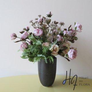 高級造花アレンジメント【アクド】オータムティックなローズをアレンジしました。お部屋のインテリアにいかがでしょうか。