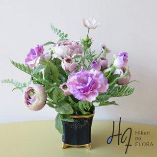 高級造花アレンジメント【レイラ】どこかクラシカルな雰囲気を漂わせてた、アレンジメントです。