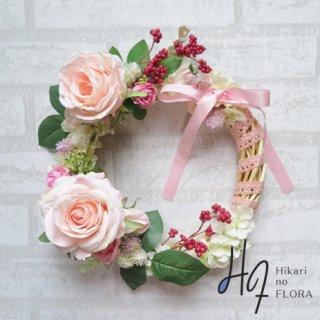 光触媒加工・壁掛けリース【wreath266】ベリーがアクセントになっています。リボンの巻きもキレイなリースです。wreath(リース)は永遠と愛の象徴です。