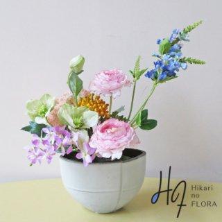 高級造花アレンジメント【マルタ】ちょこっと飾りませんか。小さな演出ですがすぐに華やいだ場所に変わります。