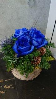 winter blue arrangement
