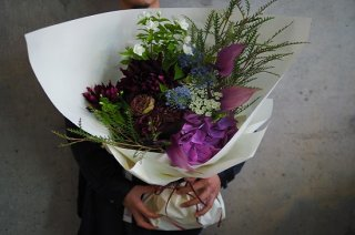 seasonal bouquet L �