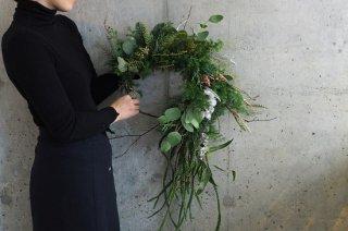針葉樹を使ったクリスマスリース L