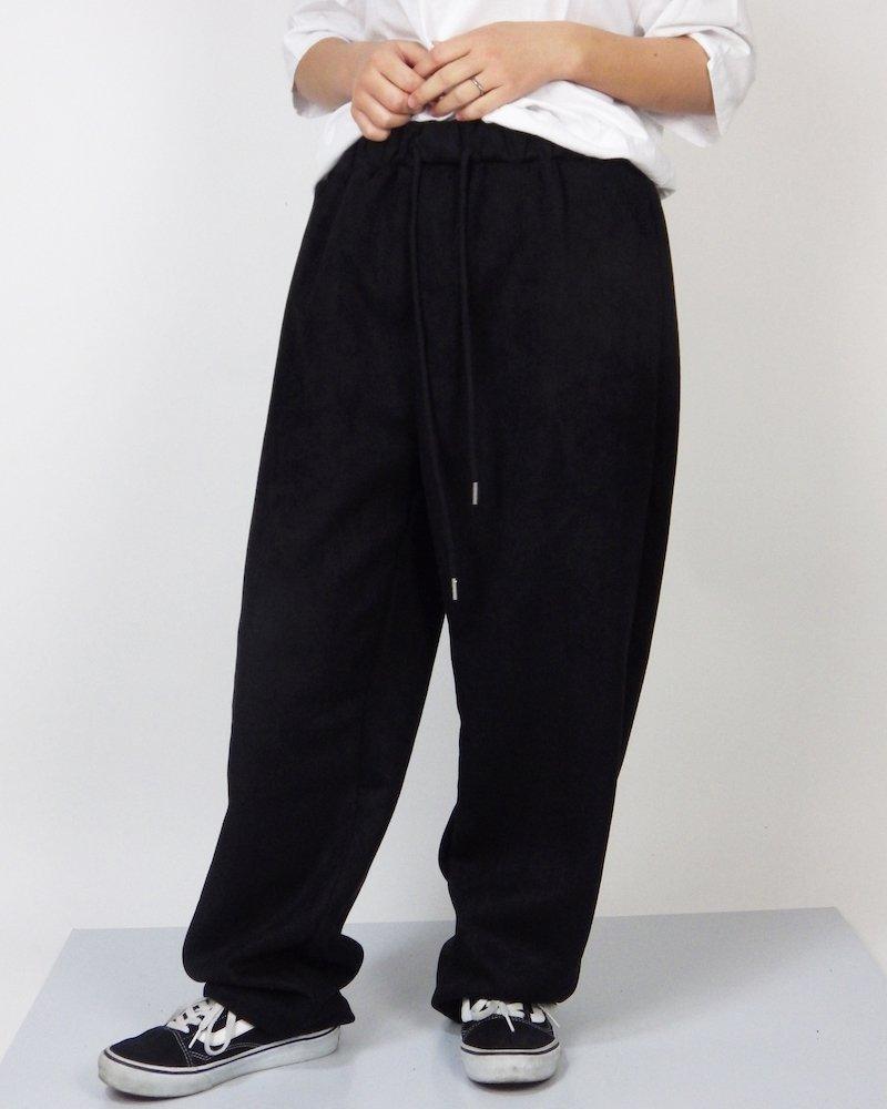 オーバーサイズ&ストリート『Re:one Online Store』SUEDE WIDE PANTS -BLACK-