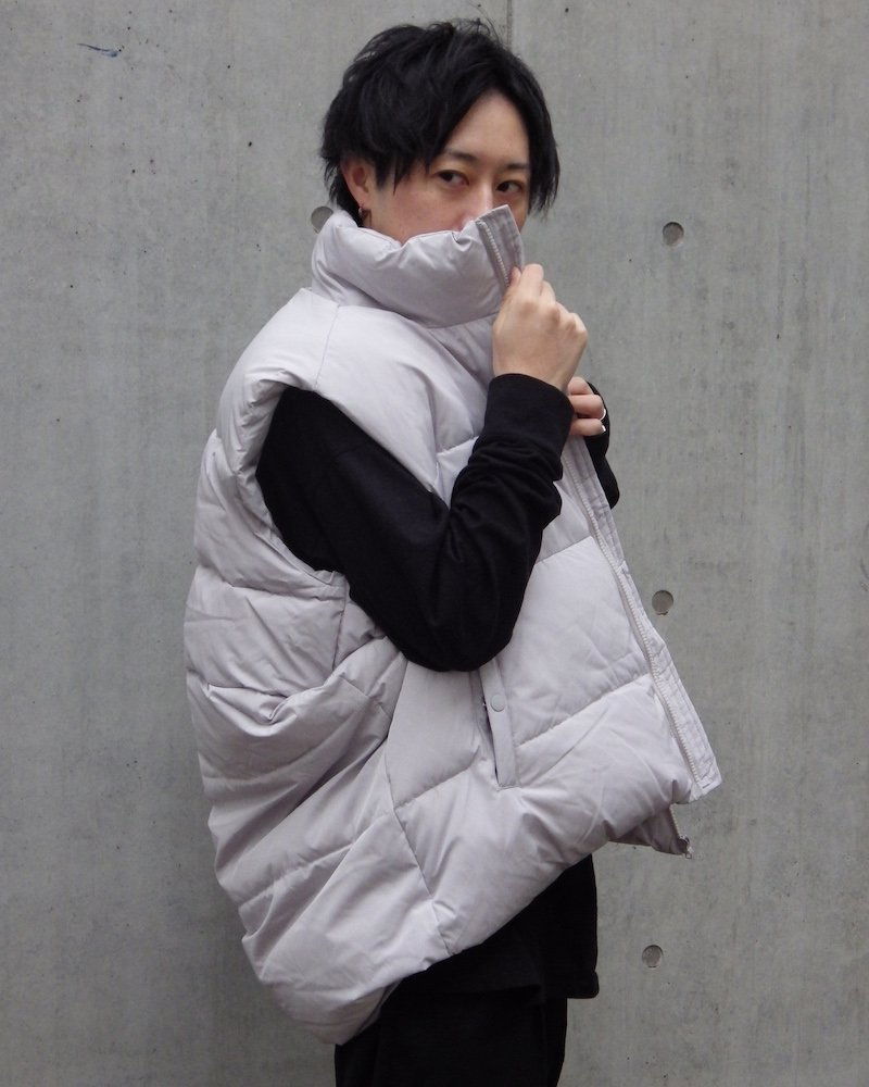 オーバーサイズ&ストリート『Re:one Online Store』「ATTENTION」 Down vest -GRAY-