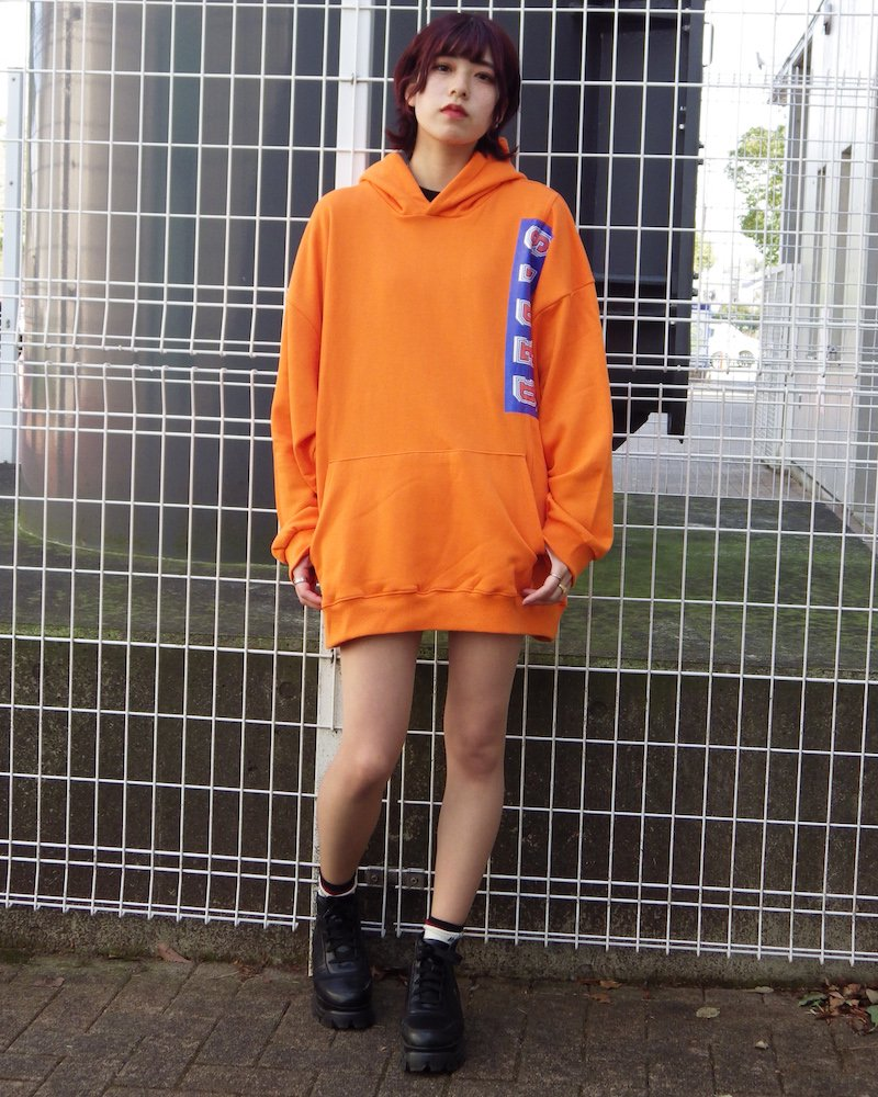 オーバーサイズ&ストリート『Re:one Online Store』「EDDEN」90s STDED ORANGE HOODIE