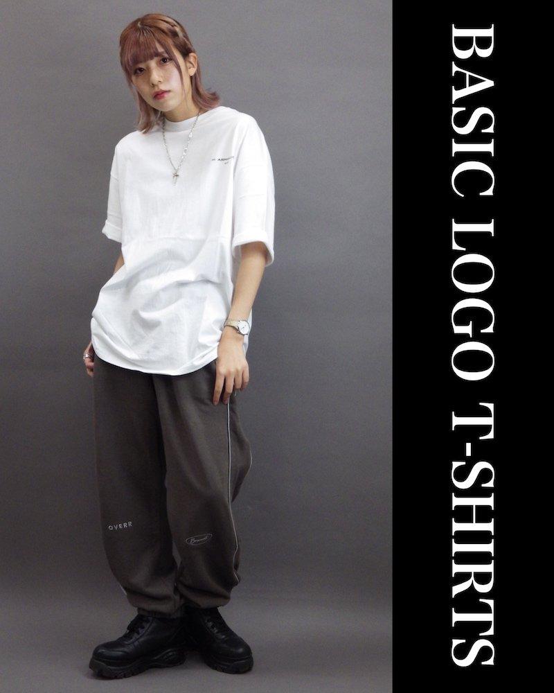 「OVERR」BASIC LOGO WHITE T-SHIRTS コーデイメージ(1)