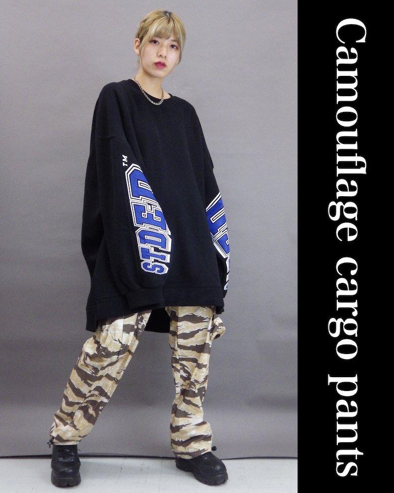 「NINE NUTS」Camouflage black cargo pants コーデイメージ(3)