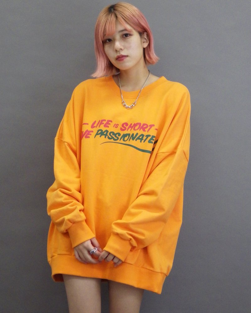 オーバーサイズ&ストリート『Re:one Online Store』「CAMP」Big real orange sweatshirt