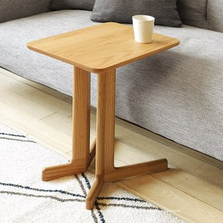 サイドテーブル コーヒーテーブル 個性的なコの字デザイン レッドオーク材 レッドオーク無垢材 ウォールナット材