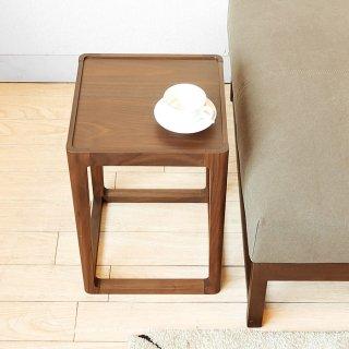 サイドテーブル コーヒーテーブル 30cm角で開放感のあるデザイン 軽量 ウォールナット材 ウォールナット突板 北欧テイスト