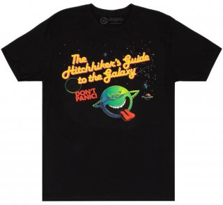 <img class='new_mark_img1' src='https://img.shop-pro.jp/img/new/icons14.gif' style='border:none;display:inline;margin:0px;padding:0px;width:auto;' />Douglas Adams / The Hitchhiker's Guide to the Galaxy Tee 2 (Black)