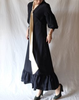 rokh:Contrast Tie Dress