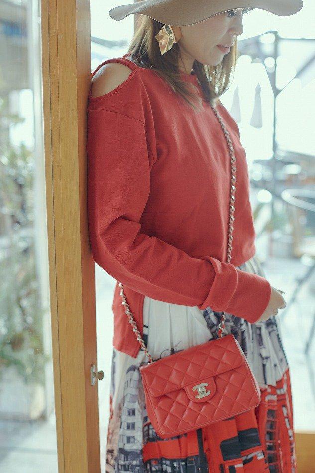 ラウンドネックオープンショルダーTシャツ/RED