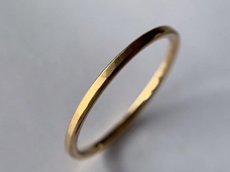無垢の18Kの指輪  / 1.5mm