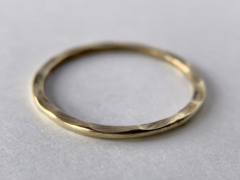 側面が波打った真鍮の指輪 /1.0mm