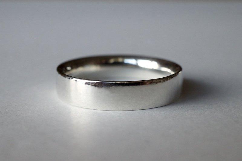 艶やかな銀の指輪 / 4.5mm