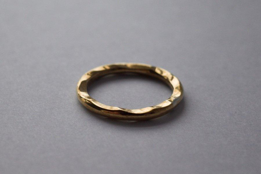 真鍮の波打った指輪 / 2.0mm