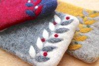 Fair Trade 羊毛フエルト(ネパール)ポーチ/リーフ柄3色