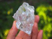新*エナジャイズ『ファウンテン・聖なる泉』アーカンソー水晶原石・虹たくさん 76g