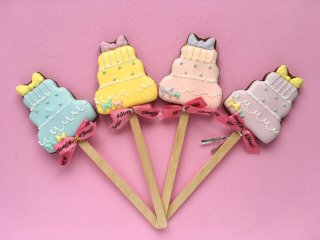 ケーキのロリポップアイシングクッキー