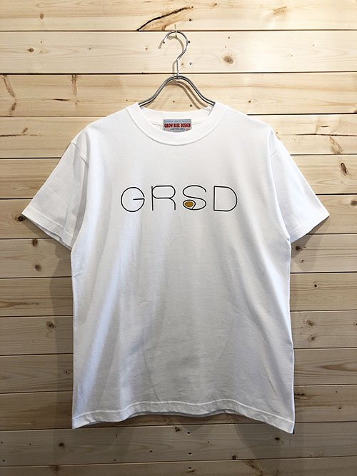 <img class='new_mark_img1' src='https://img.shop-pro.jp/img/new/icons5.gif' style='border:none;display:inline;margin:0px;padding:0px;width:auto;' />GROW RISE DESIGN ロゴTシャツ(ホワイト)