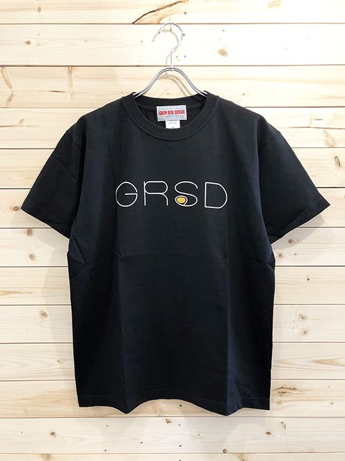 <img class='new_mark_img1' src='https://img.shop-pro.jp/img/new/icons5.gif' style='border:none;display:inline;margin:0px;padding:0px;width:auto;' />GROW RISE DESIGN ロゴTシャツ(ブラック)
