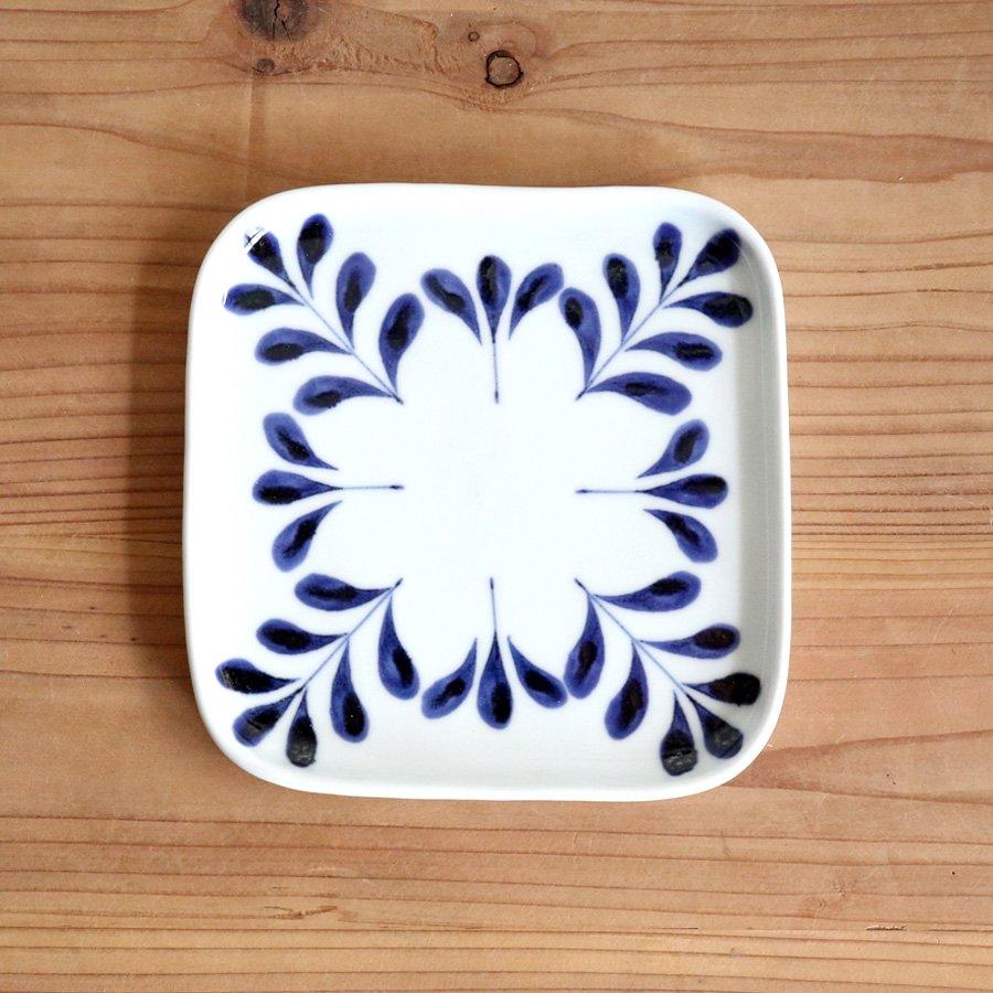 砥部焼・陶房 遊 − デザート皿 ブルーリーフ
