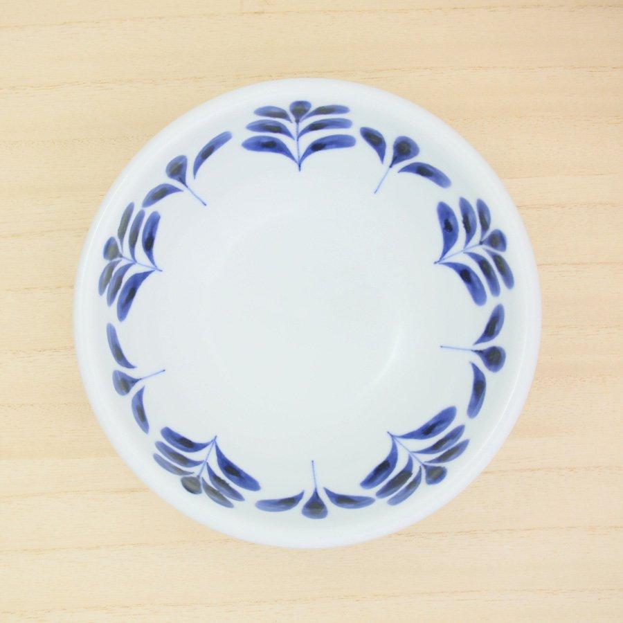 砥部焼・陶房 遊 − 5.5寸玉縁鉢 ブルーリーフ