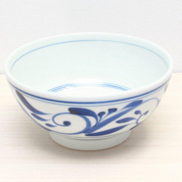 砥部焼・千山窯 − うどん鉢(中) 唐草