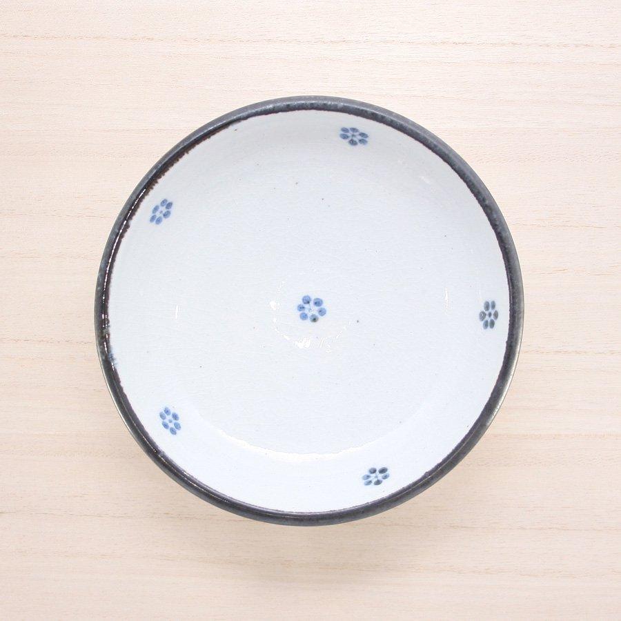 砥部焼・陶彩窯 − 染付古砥部文 深皿 5寸 小梅文