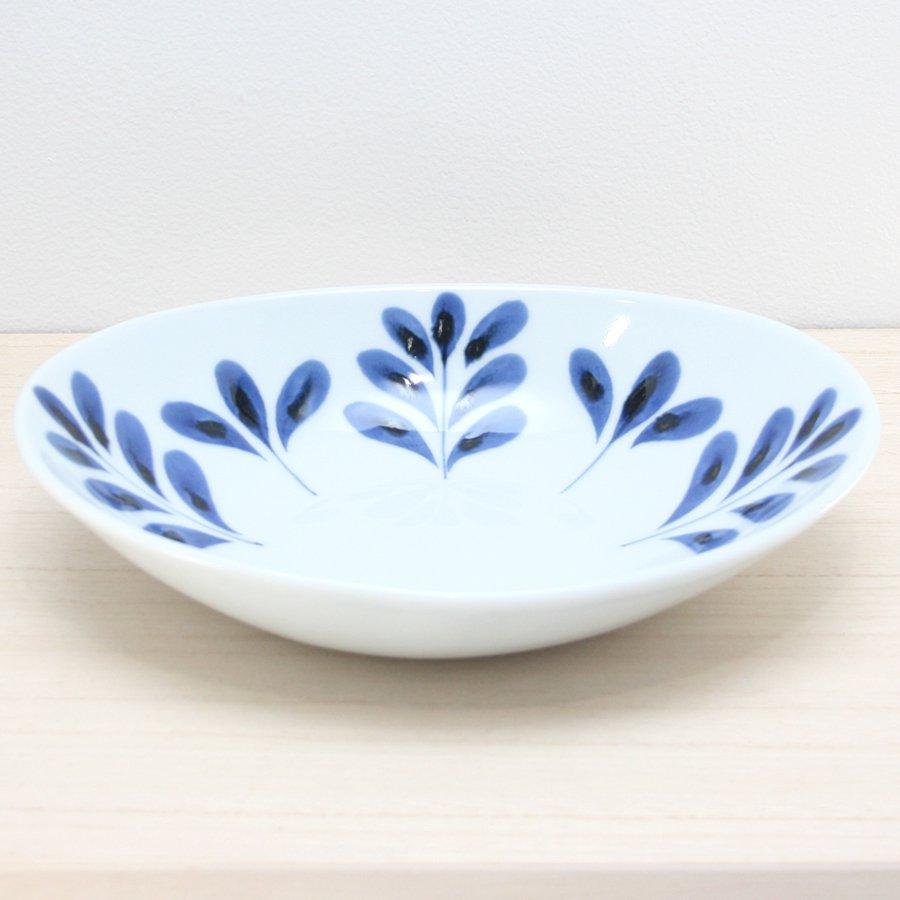 砥部焼・陶房 遊 − カレー鉢 ブルーリーフ