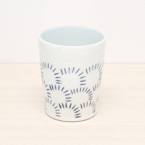 砥部焼・雲石窯 − フリーカップ 波文