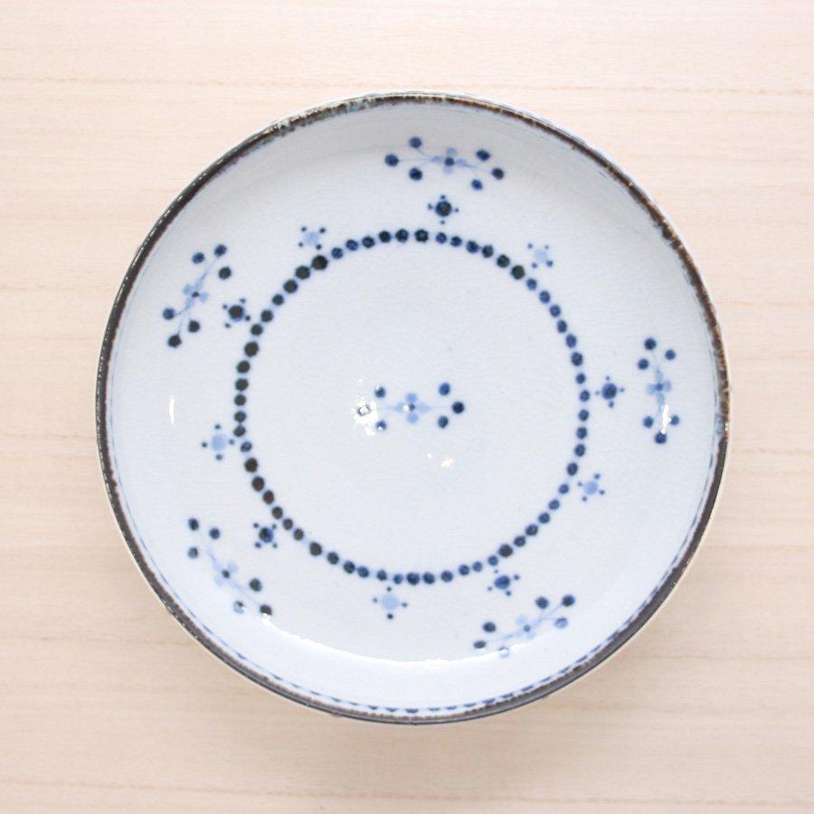 砥部焼・陶彩窯 − 染付小花文 皿 6寸 青