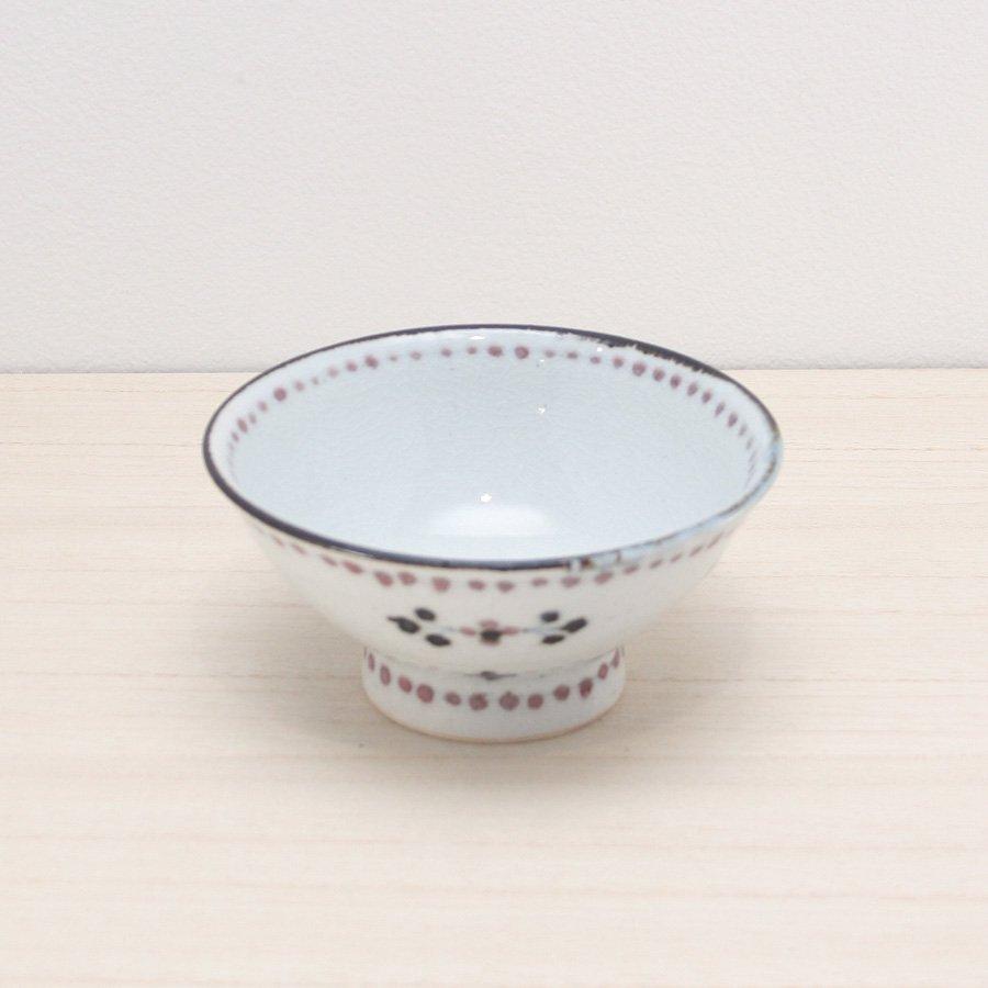 砥部焼・陶彩窯 − 染付小花文 茶碗 赤
