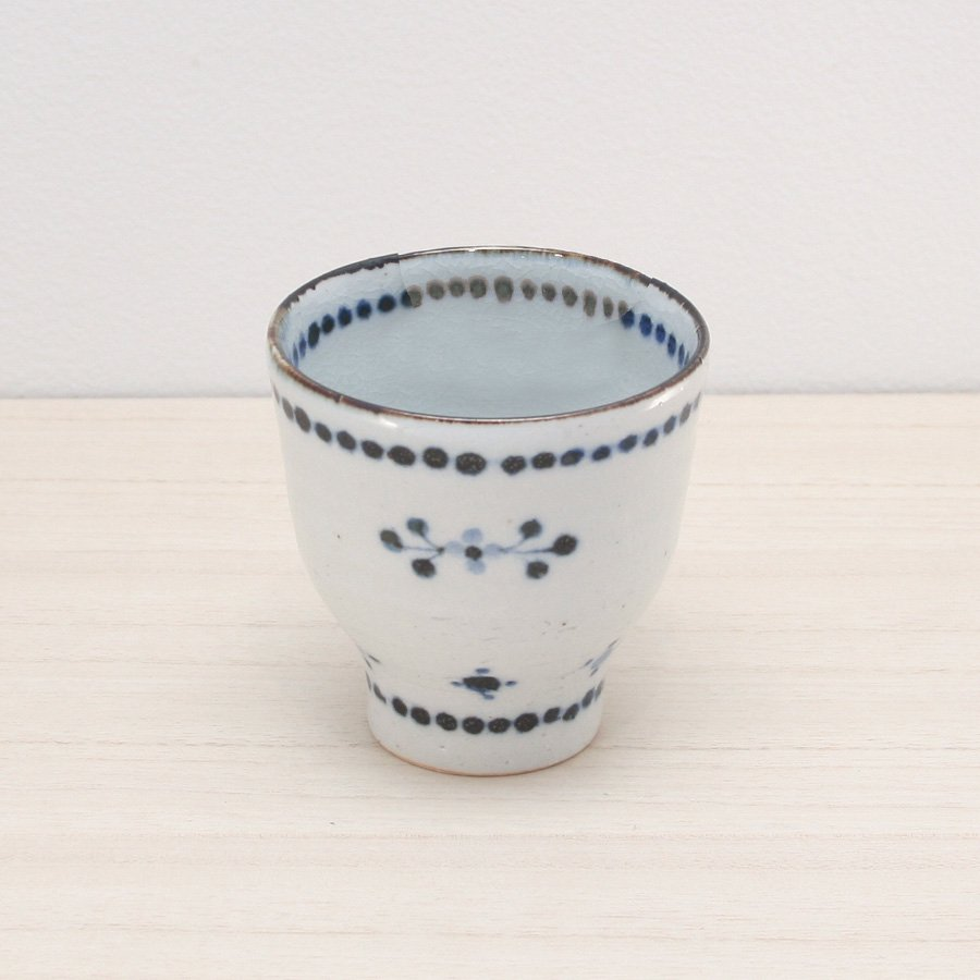 砥部焼・陶彩窯 − 染付小花文 湯呑 青