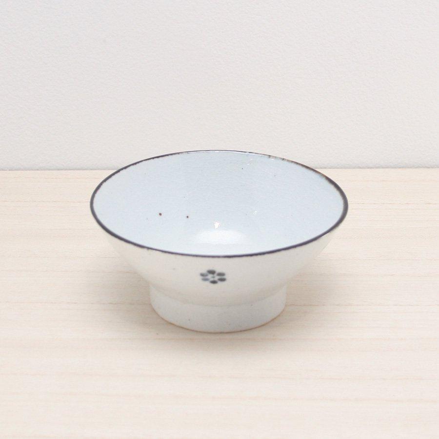 砥部焼・陶彩窯 − 染付古砥部文 茶碗 (小) 小梅文