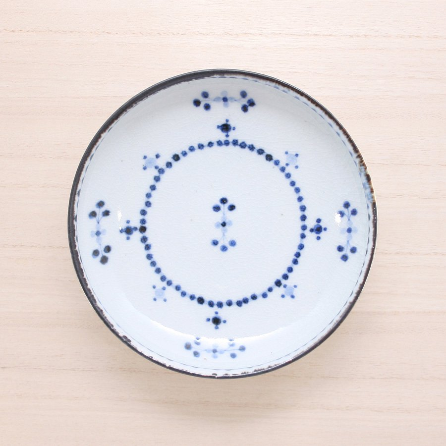 砥部焼・陶彩窯 − 染付小花文 皿 5寸 青